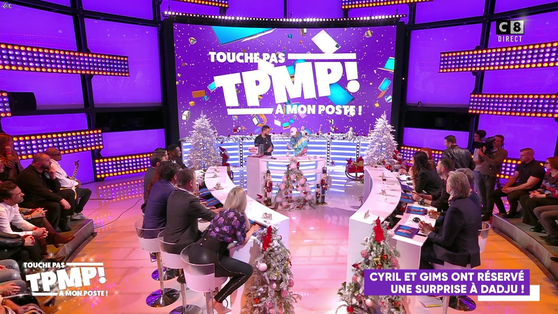 Kelly Vedovelli dans Touche pas à mon Poste. Diffusé à la télévision le 18/12/19.