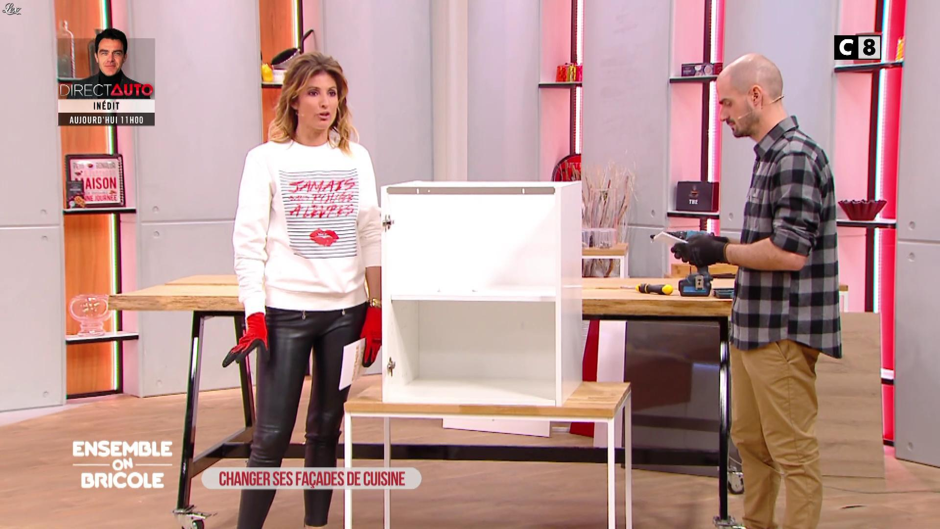 Caroline Ithurbide dans Ensemble On Bricole. Diffusé à la télévision le 10/04/21.