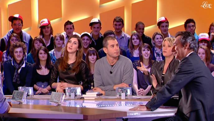 Ariane Massenet et Tania Bruna-Rosso dans le Grand Journal De Canal Plus. Diffusé à la télévision le 11/02/11.
