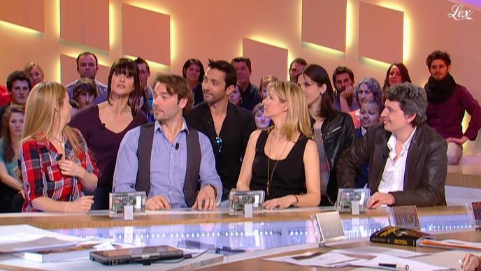 Laure Guibert, Isabelle Bouysse et Laly Meignan dans le Grand Journal De Canal Plus. Diffusé à la télévision le 03/03/11.