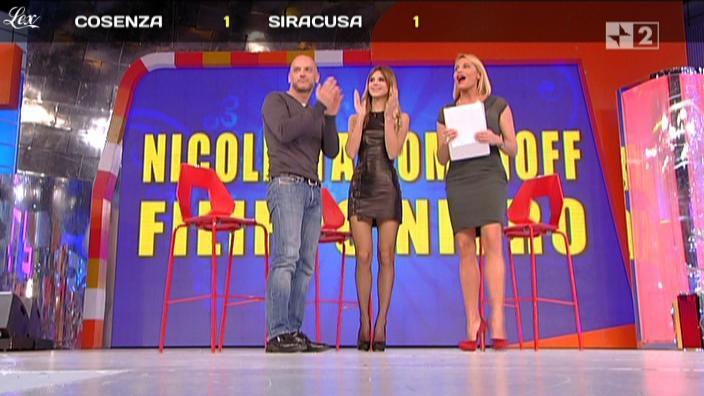 Nicoletta Romanoff dans Quelli Che. Diffusé à la télévision le 21/11/10.