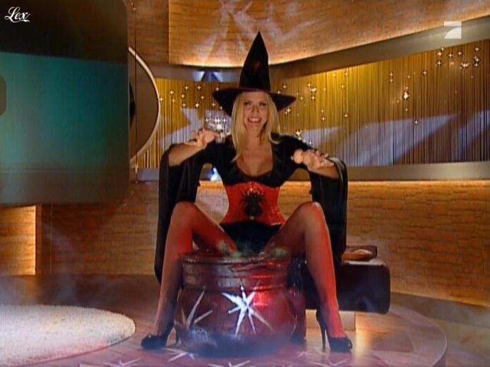 Sonya Kraus dans Talk Talk Talk. Diffusé à la télévision le 18/12/10.