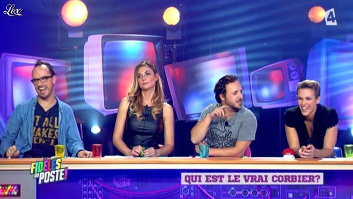 Ariane Brodier dans Fideles au Poste. Diffusé à la télévision le 04/11/12.