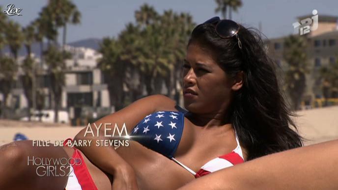Ayem dans Hollywood Girls. Diffusé à la télévision le 23/10/12.