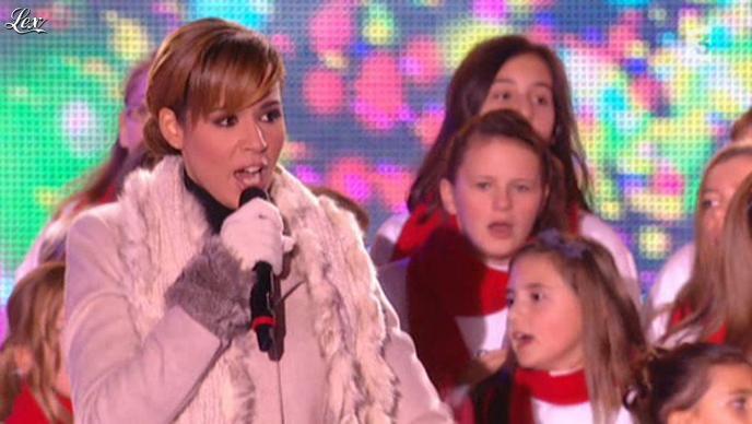 Chimène Badi dans Noël Sous les Etoiles. Diffusé à la télévision le 21/12/11.