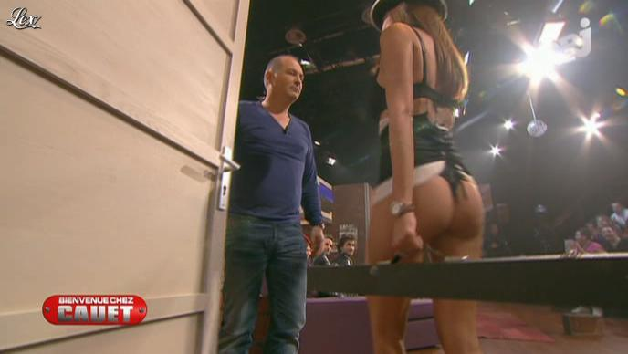 Cristal Cruze dans Bienvenue Chez Cauet. Diffusé à la télévision le 07/04/12.