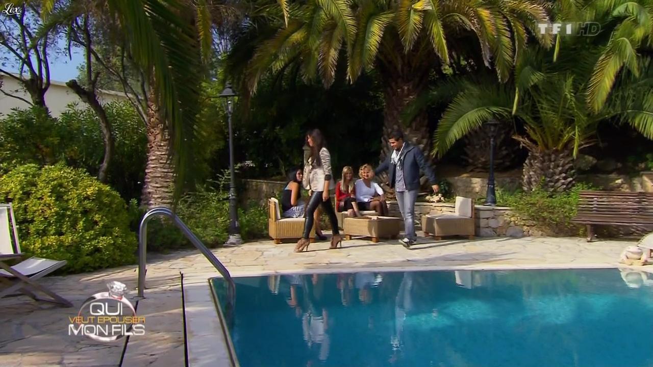 Des Pretendantes dans Qui Veut Epouser Mon Fils. Diffusé à la télévision le 23/11/12.