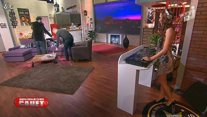 Dj Miss Roxx dans Bienvenue Chez Cauet. Diffusé à la télévision le 03/12/11.