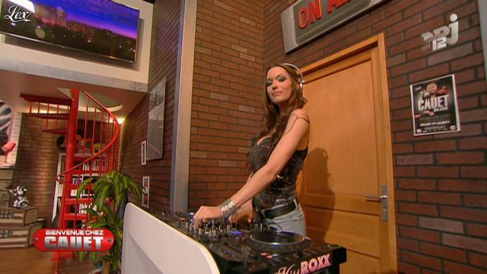 Dj Miss Roxx dans Bienvenue Chez Cauet. Diffusé à la télévision le 07/04/12.