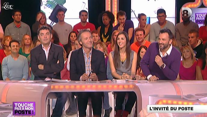 Elise Chassaing dans Touche pas à Mon Poste. Diffusé à la télévision le 29/10/12.