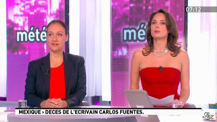 Julia Vignali dans la Matinale. Diffusé à la télévision le 16/05/12.