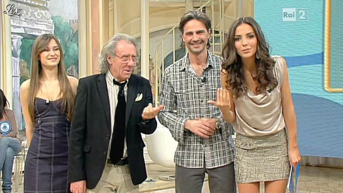 Laura Barriales dans Mezzogiorno in Famiglia. Diffusé à la télévision le 14/01/12.