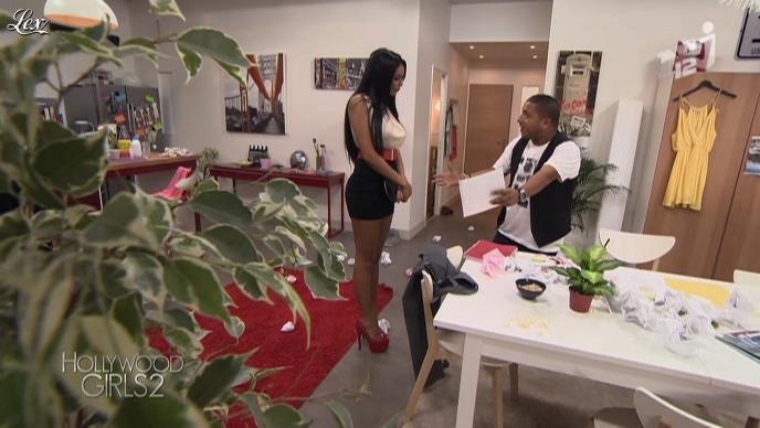 Nabilla Benattia dans Hollywood Girls. Diffusé à la télévision le 23/10/12.