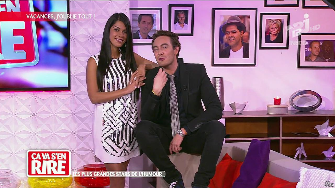 Ayem Nour dans Ça va s en Rire. Diffusé à la télévision le 16/11/13.