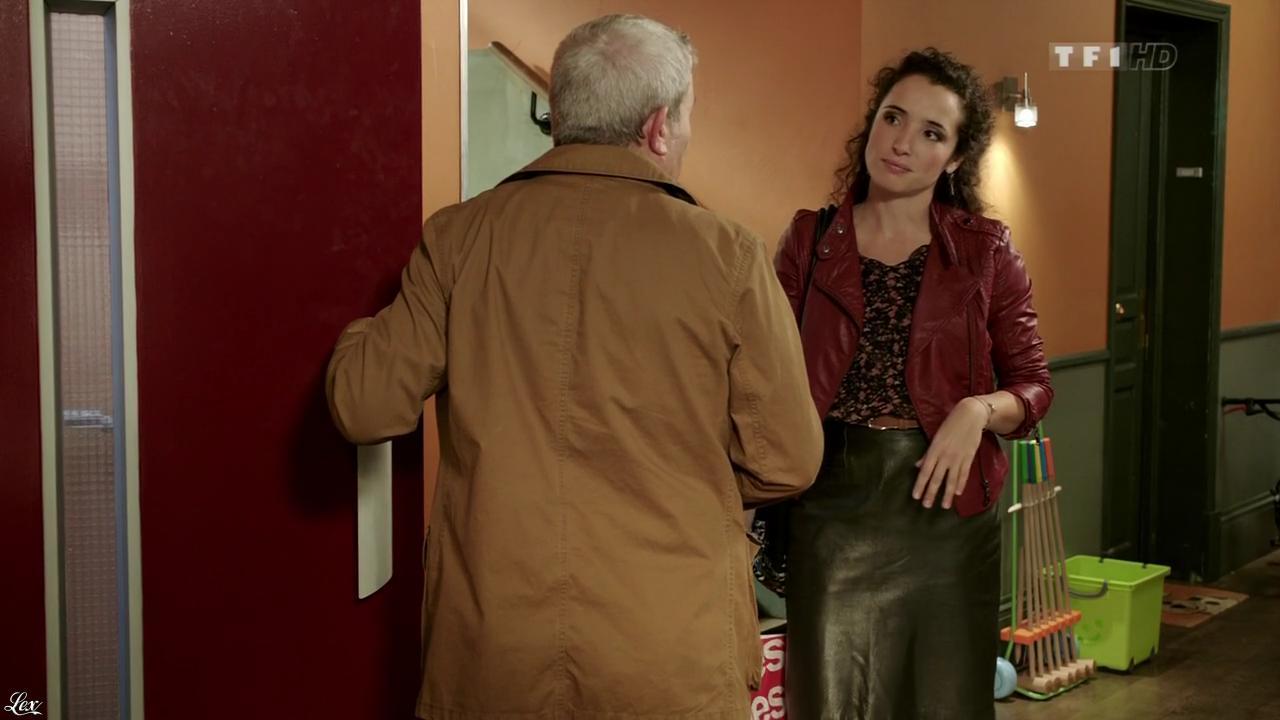 Isabelle Vitari dans Nos Chers Voisins. Diffusé à la télévision le 04/02/13.