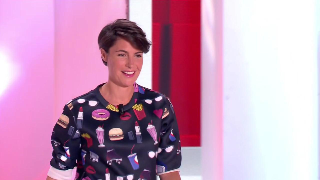 Alessandra Sublet dans Vivement Dimanche Prochain. Diffusé à la télévision le 02/11/14.