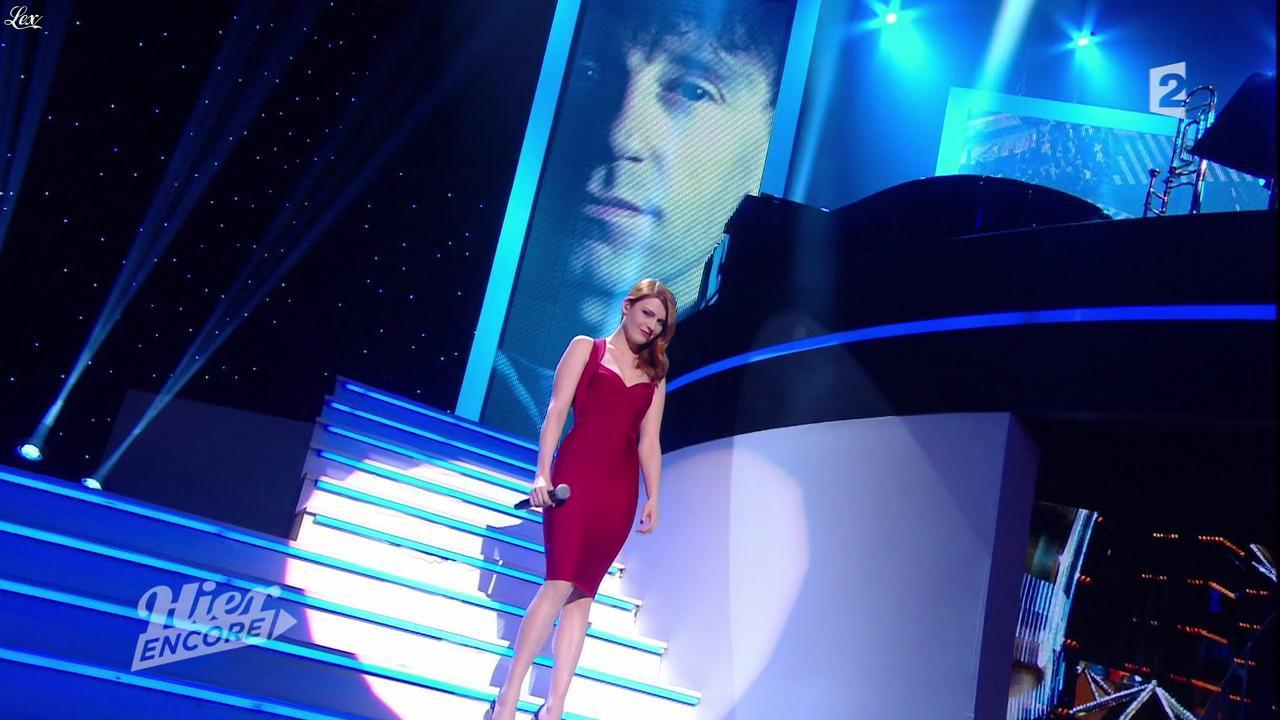 Elodie Frégé dans Hier Encore. Diffusé à la télévision le 27/09/14.