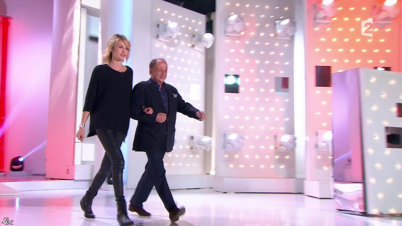 Pauline Lefèvre dans Vivement Dimanche. Diffusé à la télévision le 02/11/14.