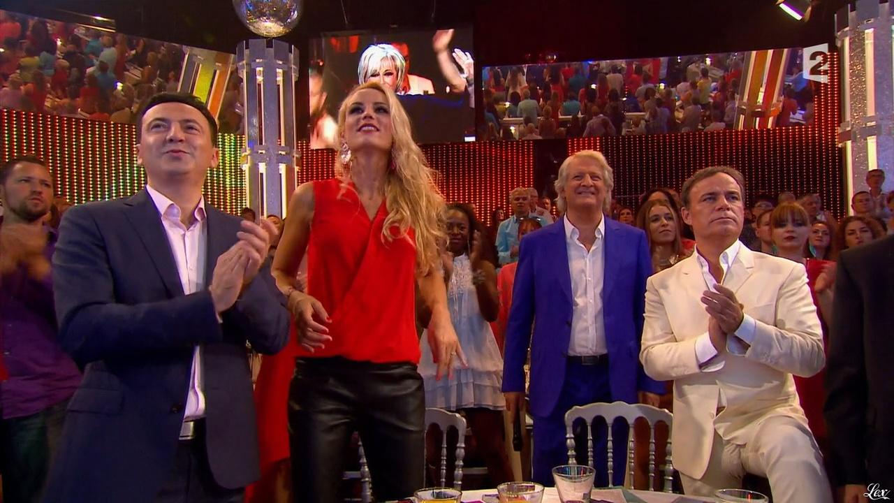 Elodie Gossuin dans les Annees Bonheur. Diffusé à la télévision le 10/10/15.