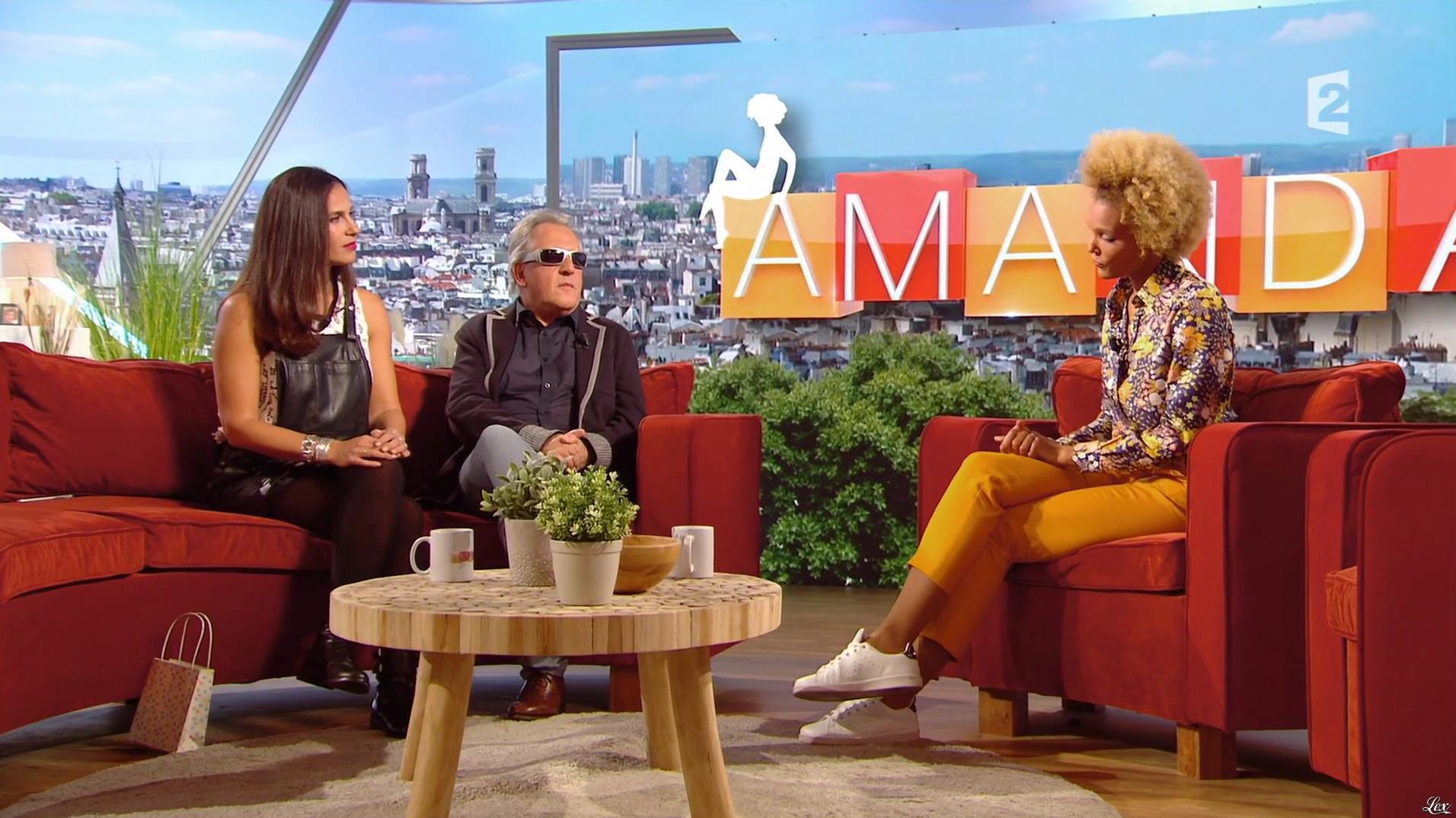 Elisa Tovati dans Amanda. Diffusé à la télévision le 29/11/16.