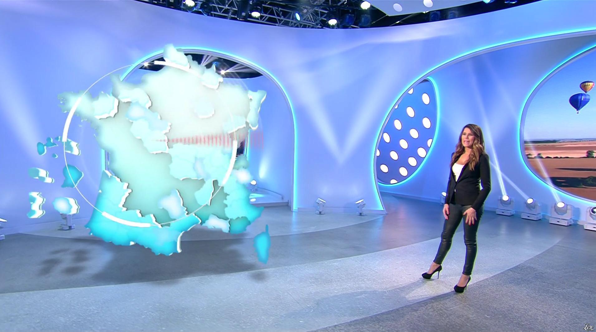 Karine Ferri lors du Tirage du Loto. Diffusé à la télévision le 30/11/16.