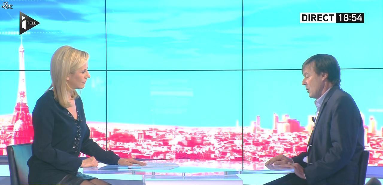 Laurence Ferrari dans Tirs Croisés. Diffusé à la télévision le 26/01/16.