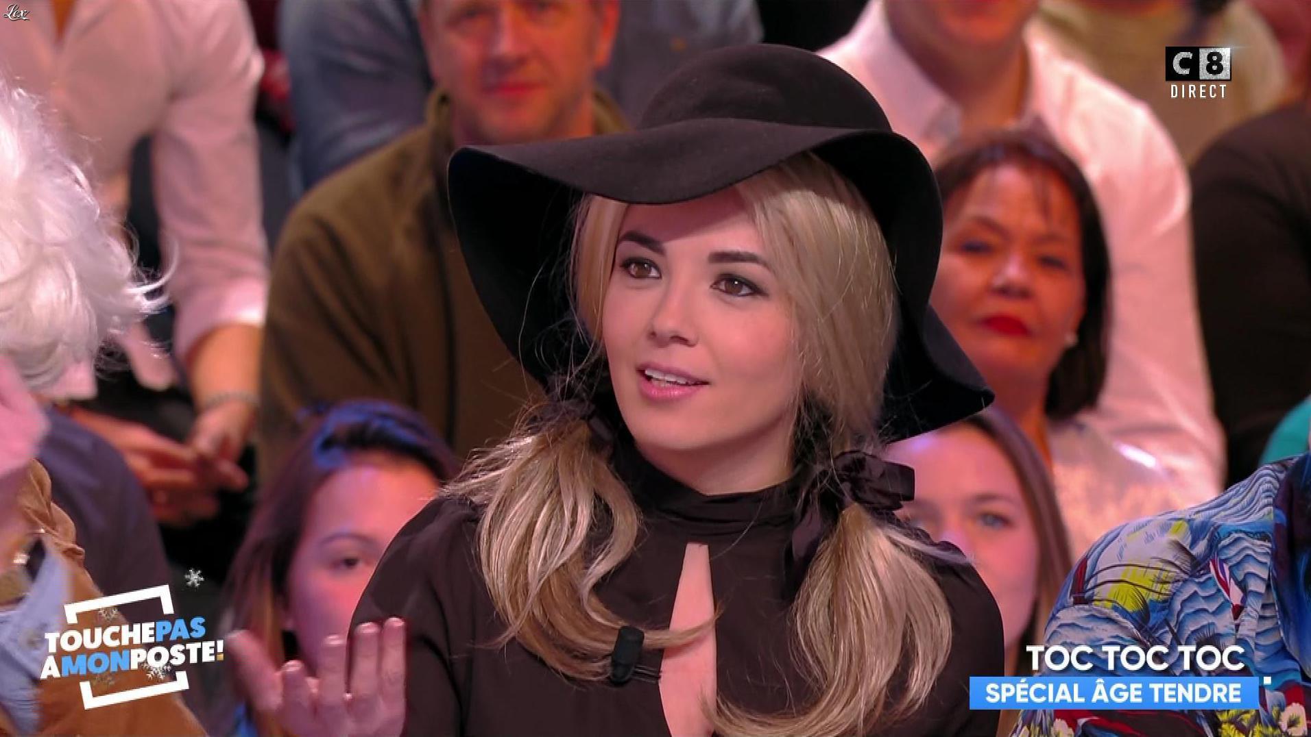 Agathe Auproux dans Touche pas à mon Poste. Diffusé à la télévision le 18/12/17.