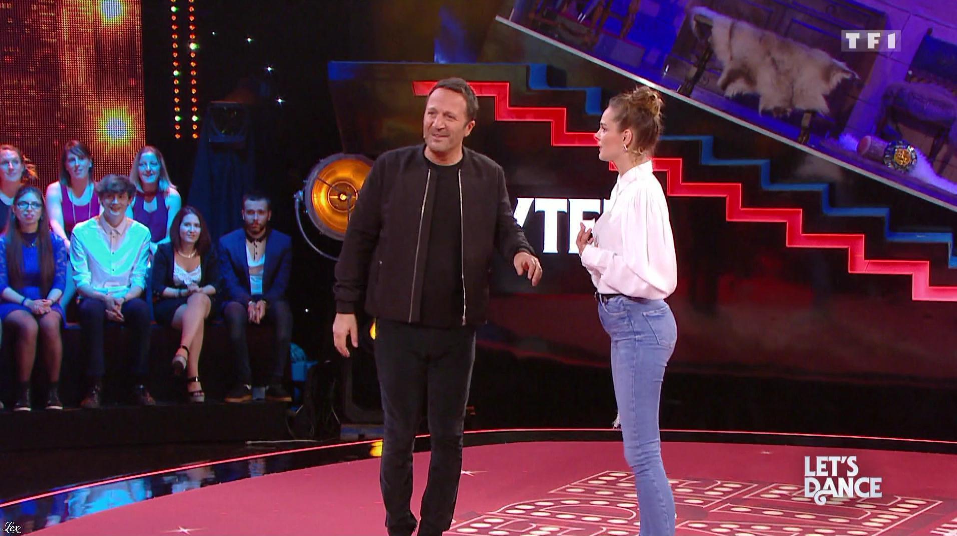 Camille Lou dans Vendredi, Tout Est Permis. Diffusé à la télévision le 16/06/17.