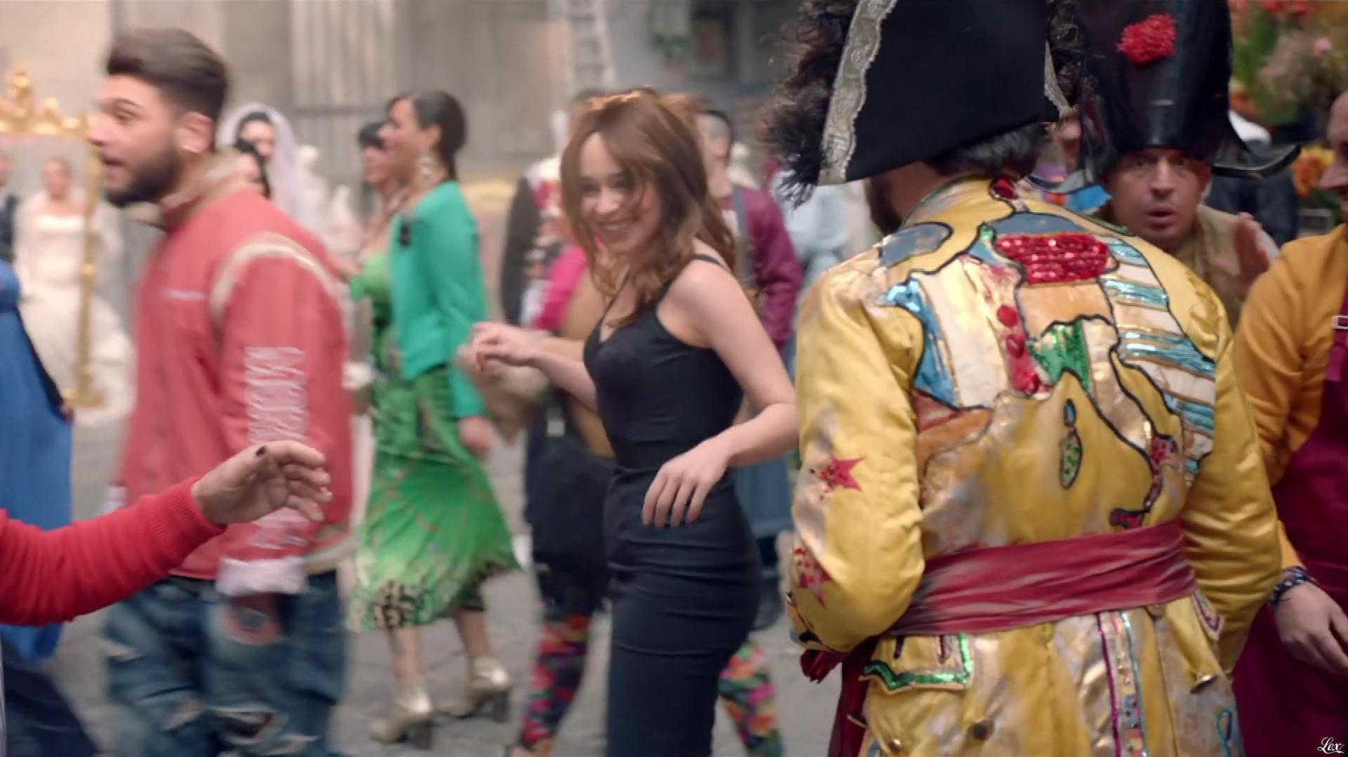 Emilia Clarke dans une Publicité pour Dolce And Gabbana The One. Diffusé à la télévision le 06/10/17.