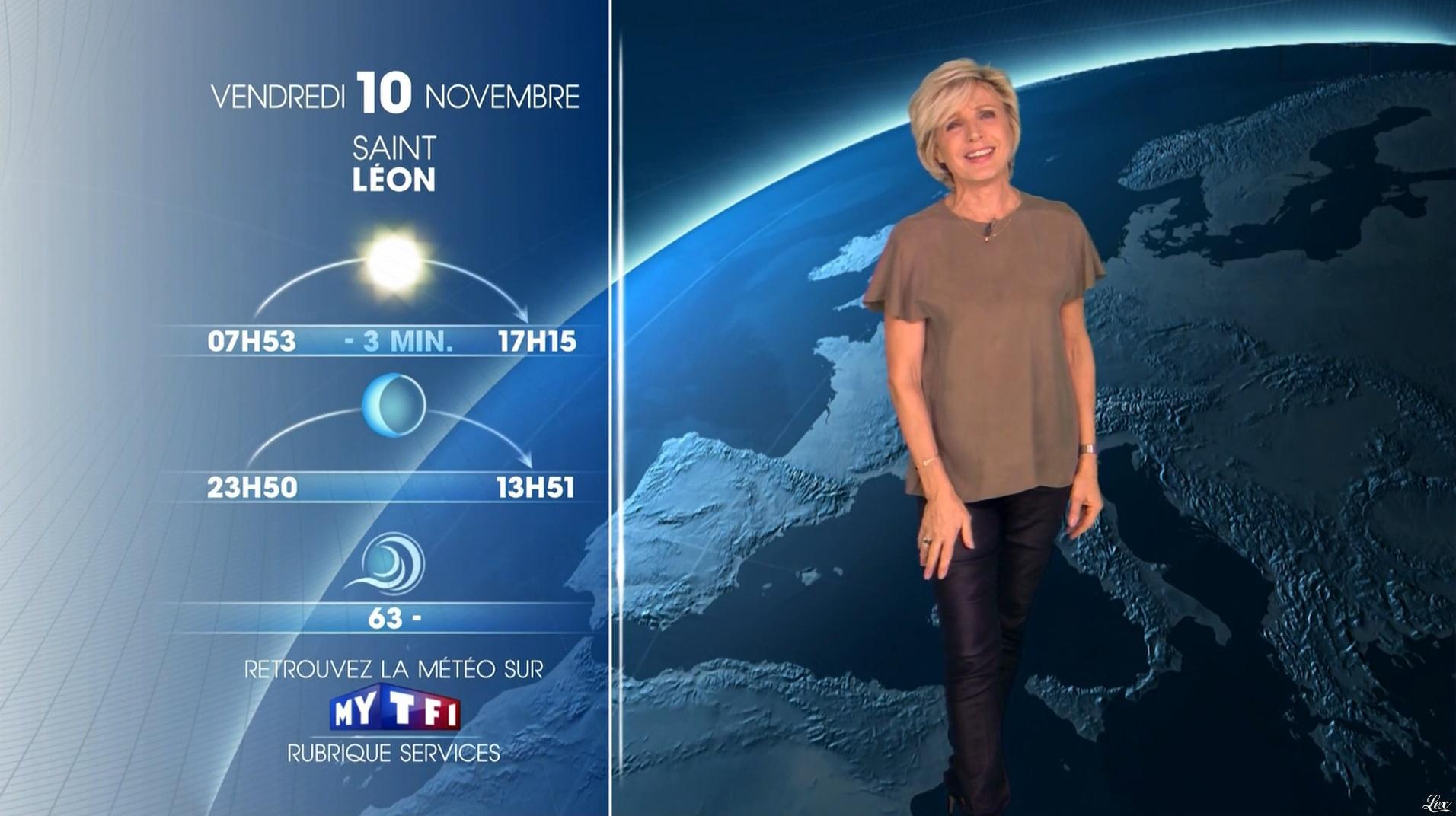 Evelyne Dhéliat à la Météo du Soir. Diffusé à la télévision le 09/11/17.