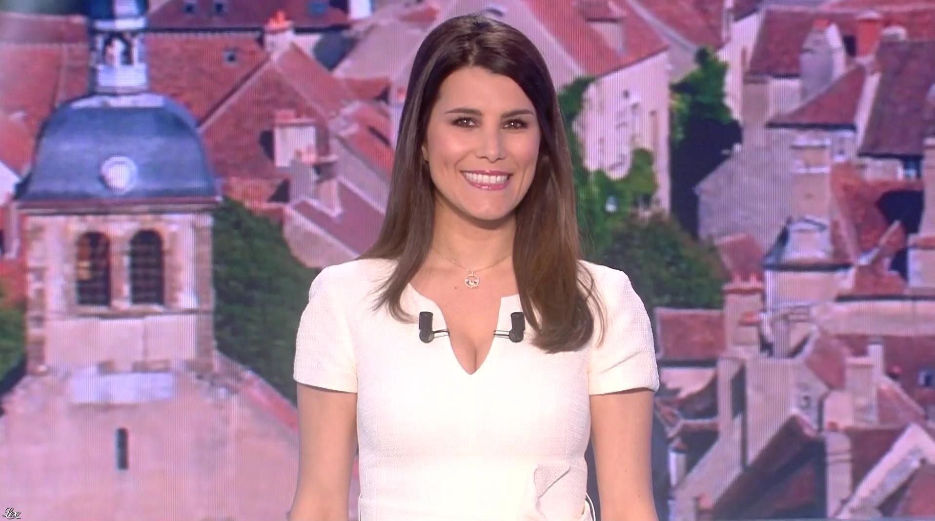 Karine Ferri lors du Tirage du Loto. Diffusé à la télévision le 19/04/17.