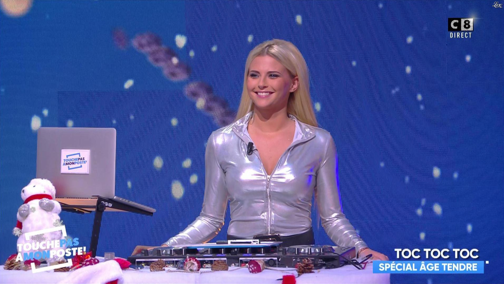 Kelly Vedovelli dans Touche pas à mon Poste. Diffusé à la télévision le 18/12/17.