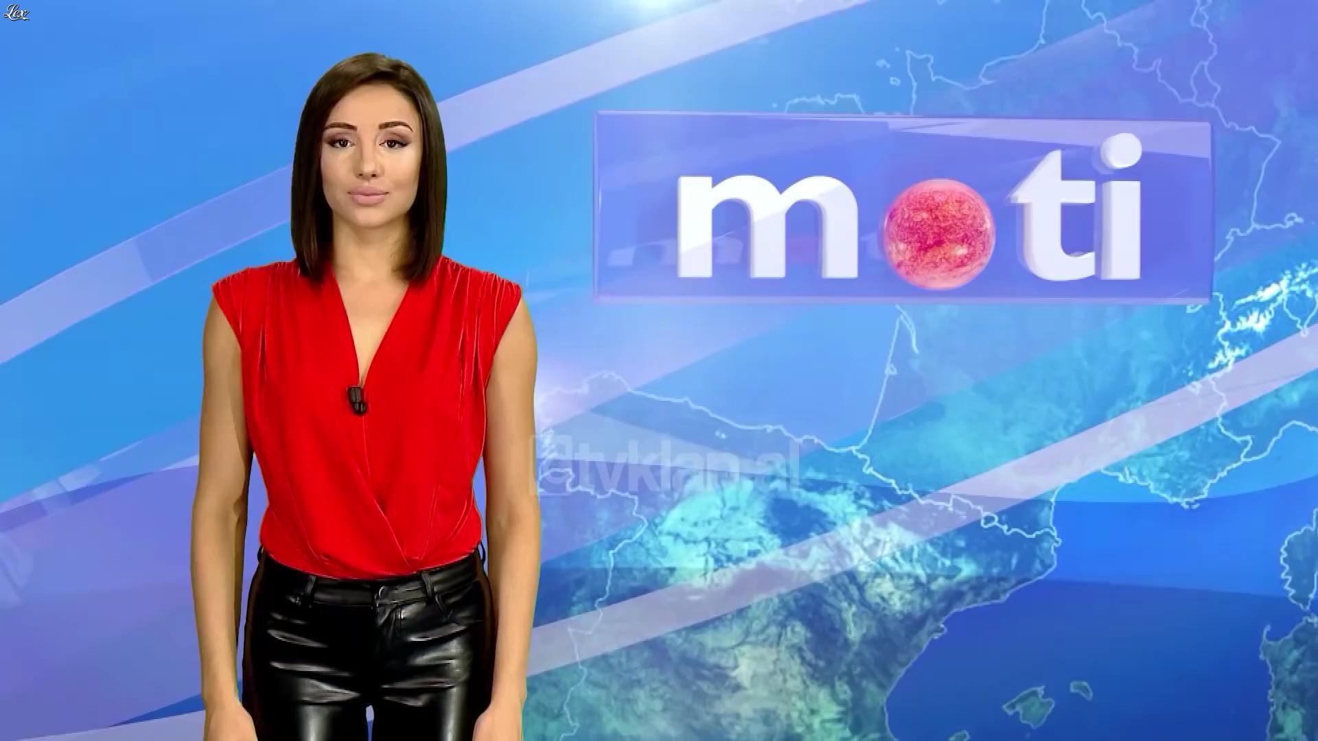 Alba Hoxha à la Météo. Diffusé à la télévision le 06/10/18.