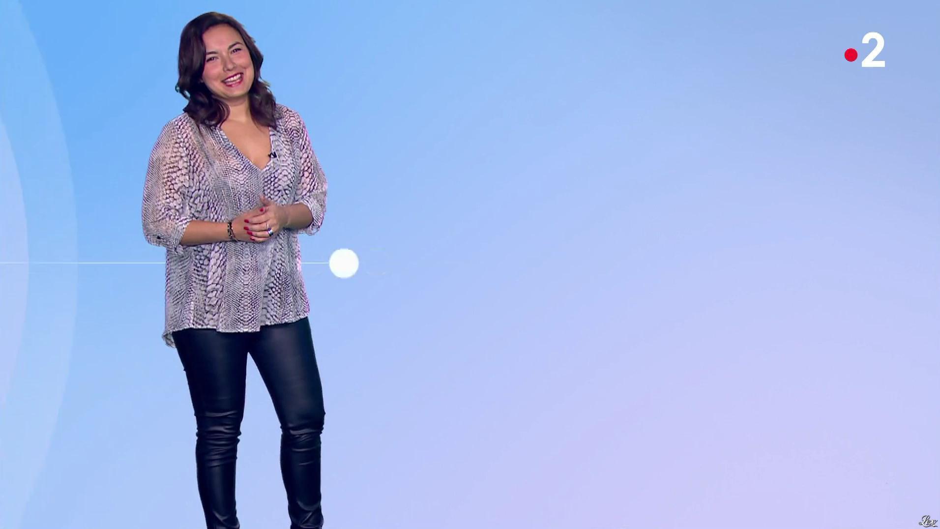 Anaïs Baydemir à la Météo de Midi. Diffusé à la télévision le 23/11/18.