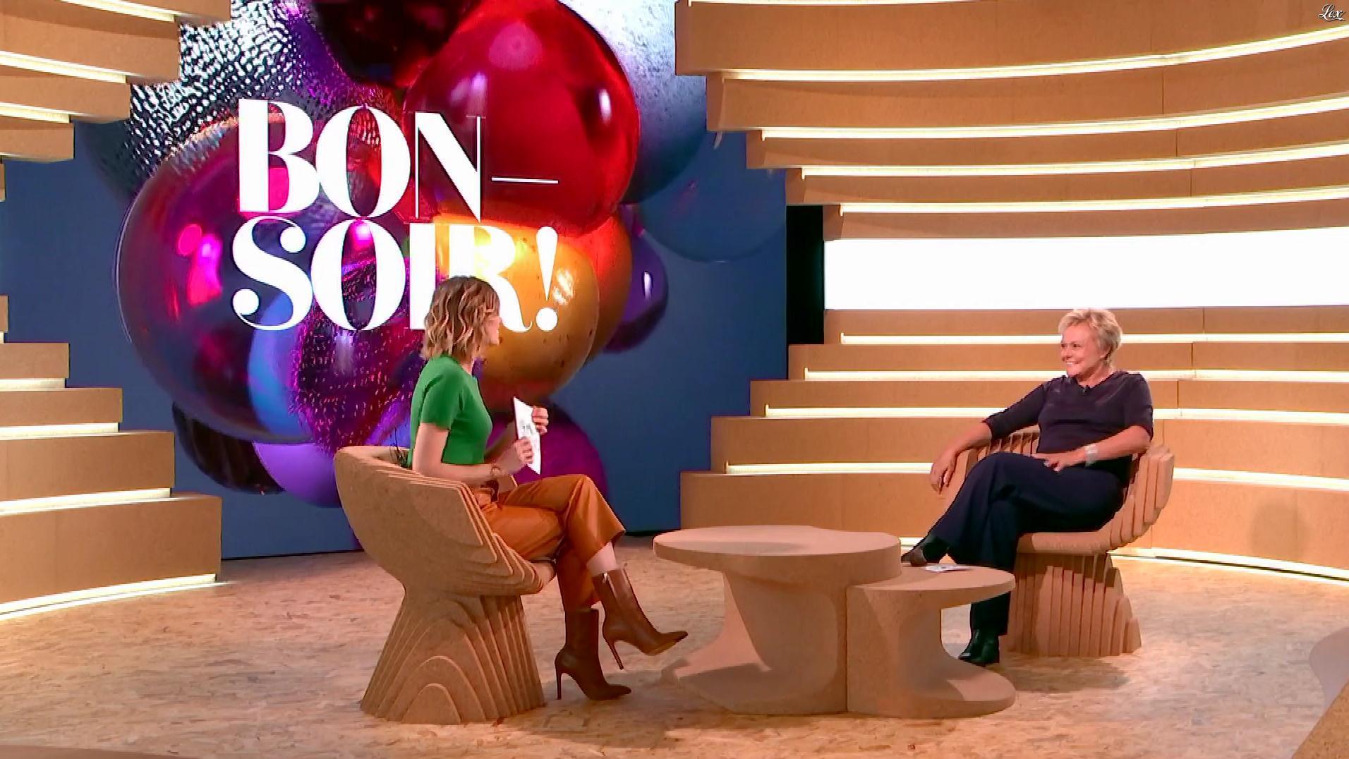 Isabelle Ithurburu dans Bonsoir. Diffusé à la télévision le 01/12/18.