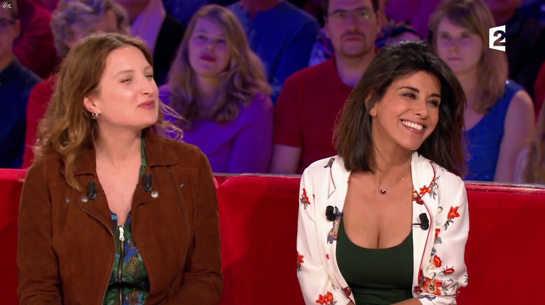 Reem Kherici dans Vivement Dimanche. Diffusé à la télévision le 16/04/17.