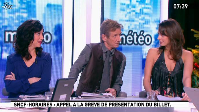 Julia Vignali dans la Matinale. Diffusé à la télévision le 12/12/11.