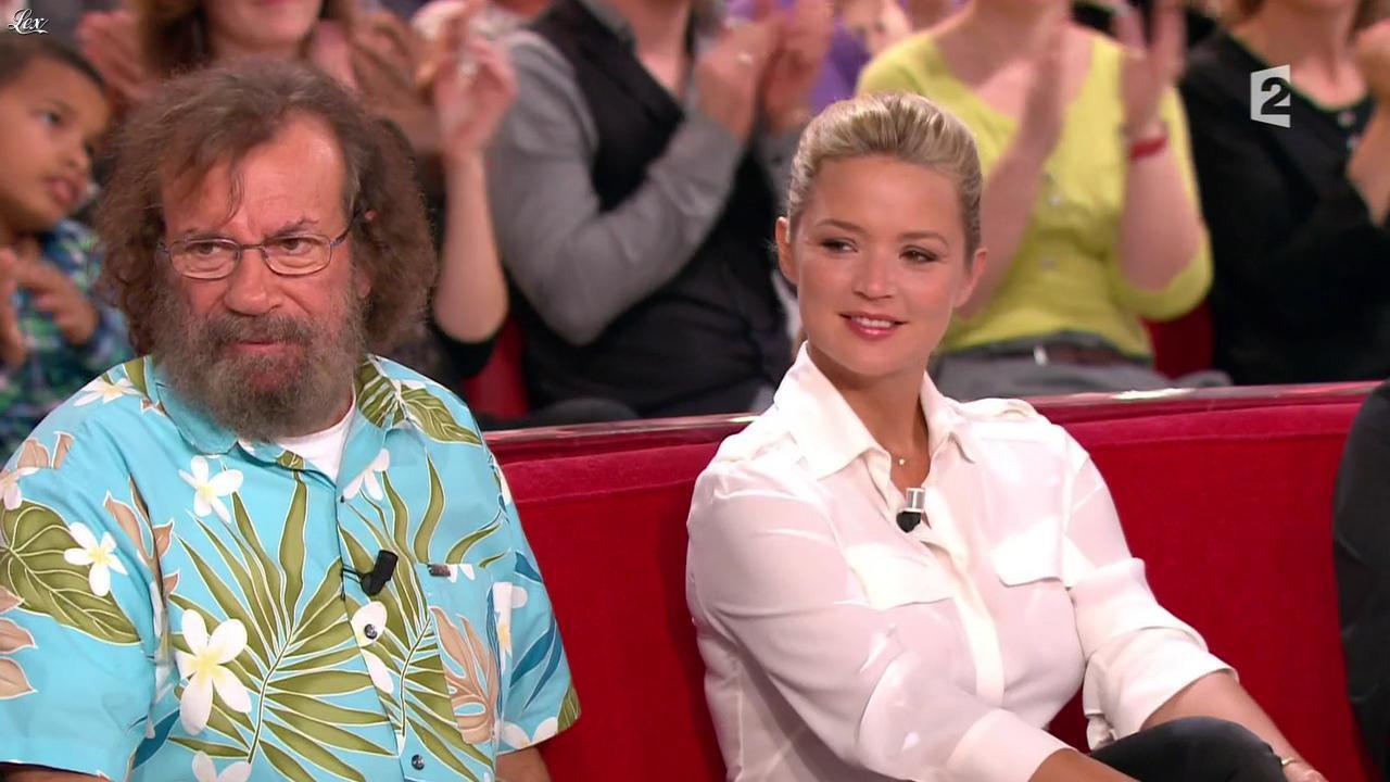 Virginie Efira dans Vivement Dimanche Prochain. Diffusé à la télévision le 12/12/11.