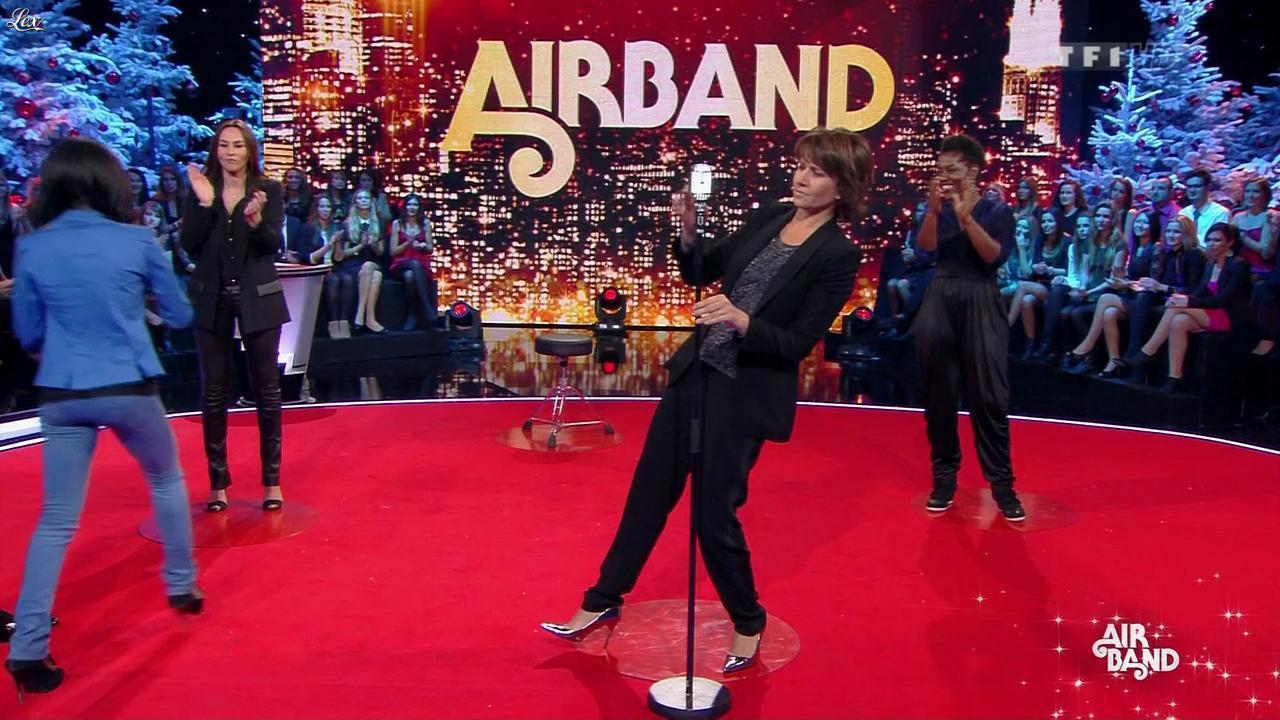 Carole Rousseau et Vanessa Demouy dans le 31 Tout est Permis. Diffusé à la télévision le 31/12/12.