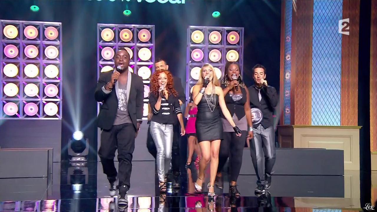 Participantes dans Sing It Off. Diffusé à la télévision le 24/09/11.