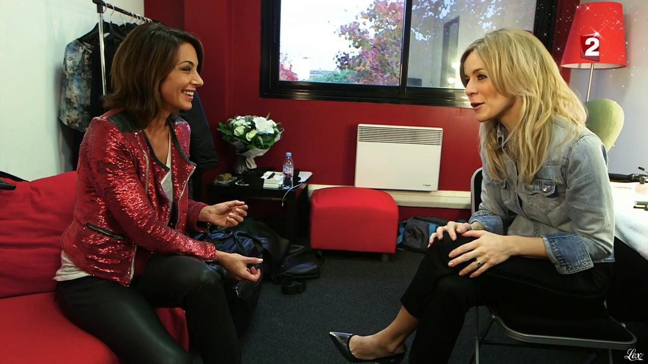 Virginie Guilhaume et Véronic Dicaire dans le Grand Show vu des Coulisses. Diffusé à la télévision le 04/01/13.