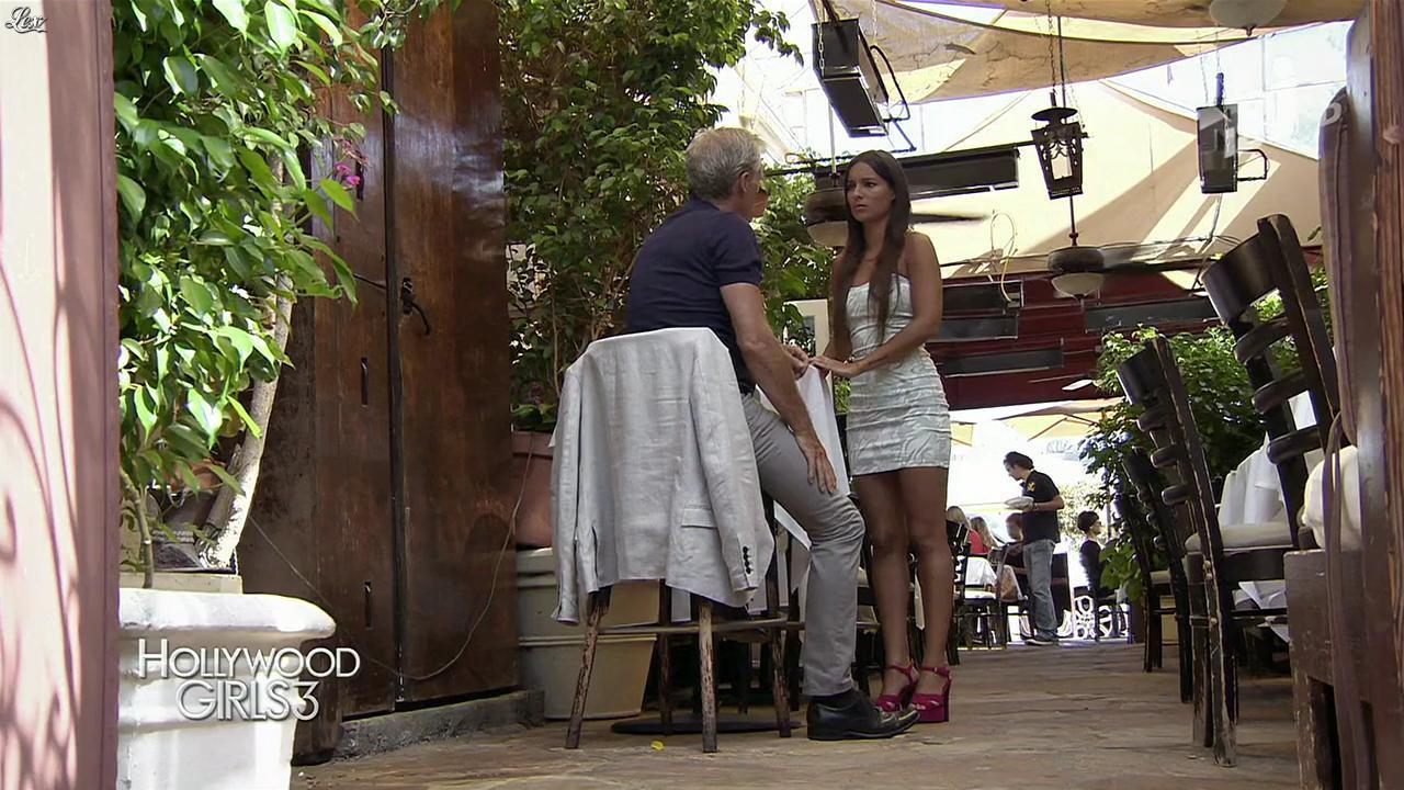Laura Coll dans Hollywood Girls. Diffusé à la télévision le 05/12/13.
