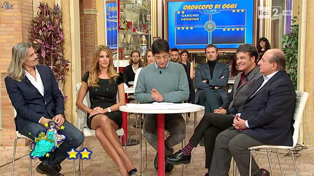 Adriana Volpe dans I Fatti Vostri. Diffusé à la télévision le 07/01/16.