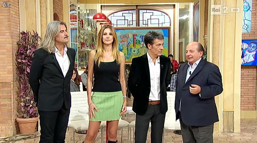 Adriana Volpe dans I Fatti Vostri. Diffusé à la télévision le 18/11/15.