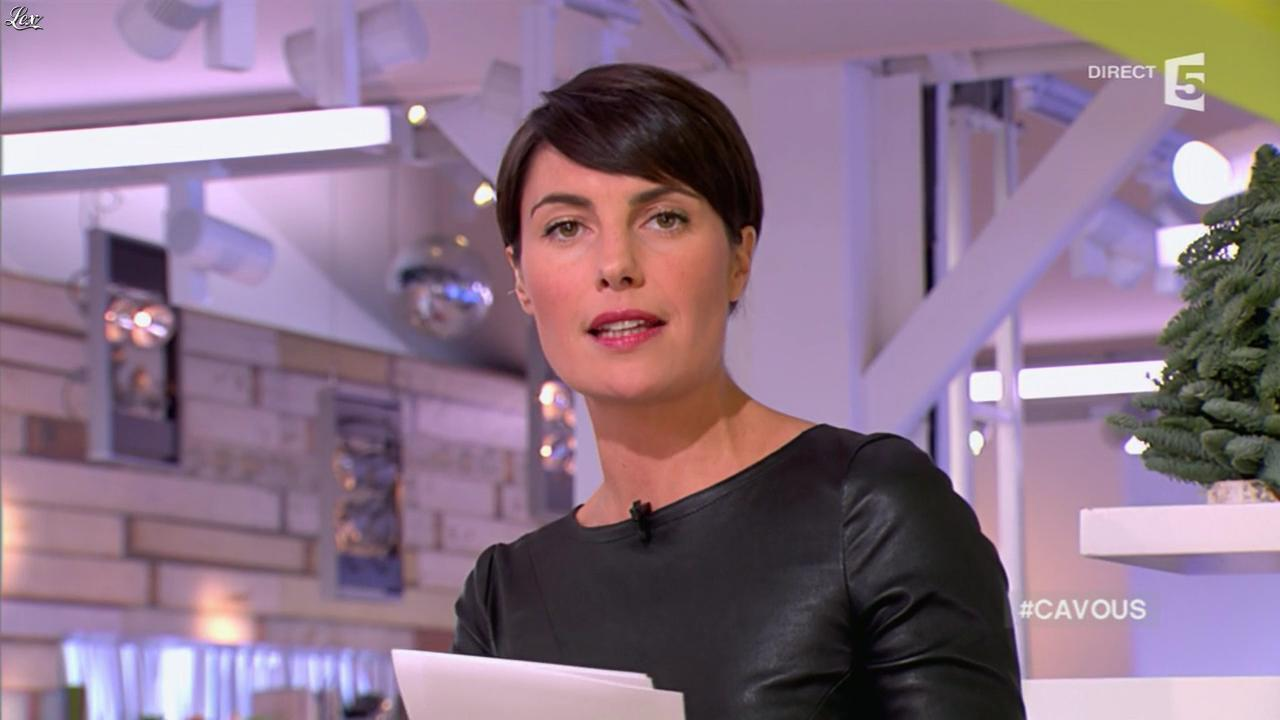 Alessandra Sublet dans C à Vous. Diffusé à la télévision le 28/11/12.