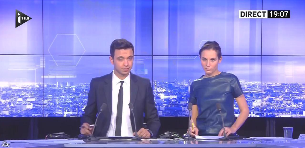 Anaïs Castagna dans i>Télé. Diffusé à la télévision le 26/12/15.