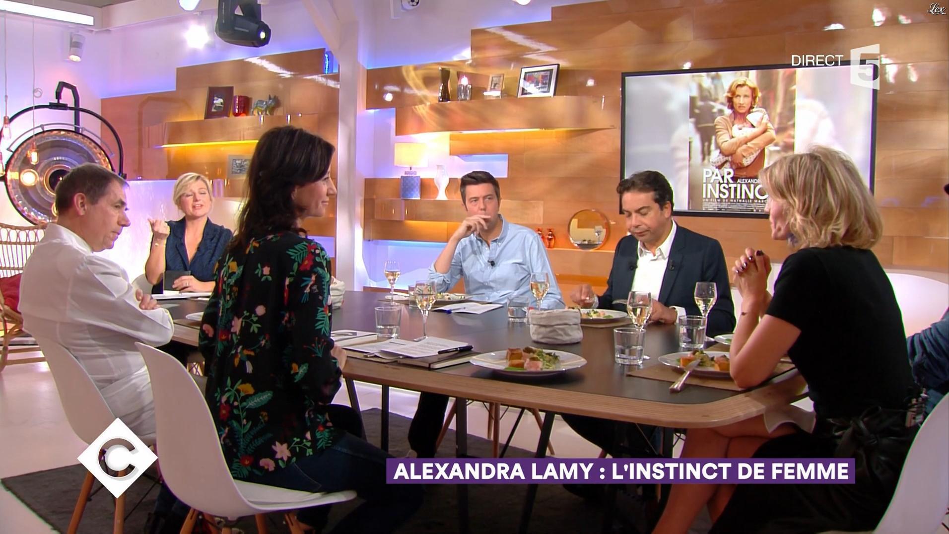 Alexandra Lamy dans C à Vous. Diffusé à la télévision le 13/11/17.