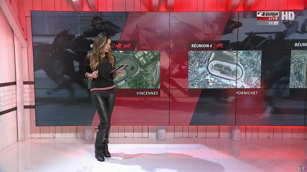 Amélie Bitoun dans un Jour aux Courses. Diffusé à la télévision le 11/12/17.