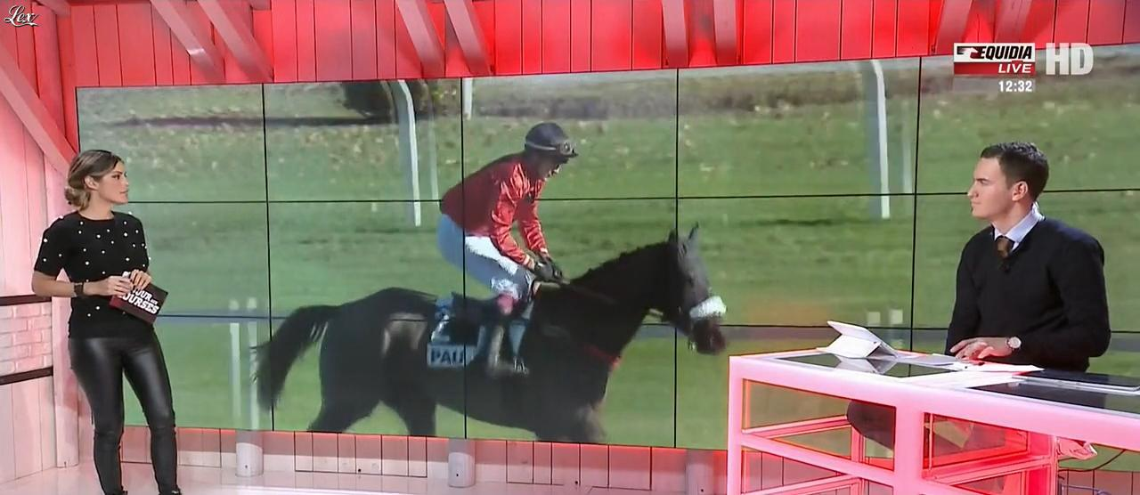 Amélie Bitoun dans un Jour aux Courses. Diffusé à la télévision le 12/12/17.