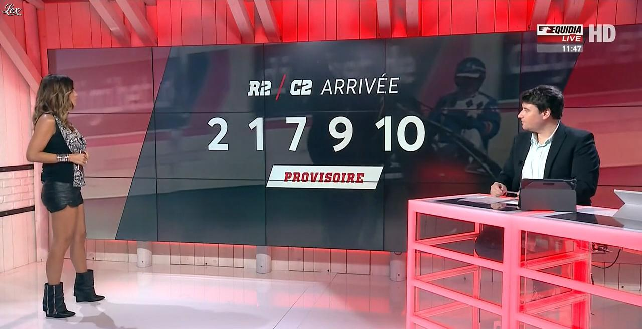 Amélie Bitoun dans un Jour aux Courses. Diffusé à la télévision le 23/08/17.
